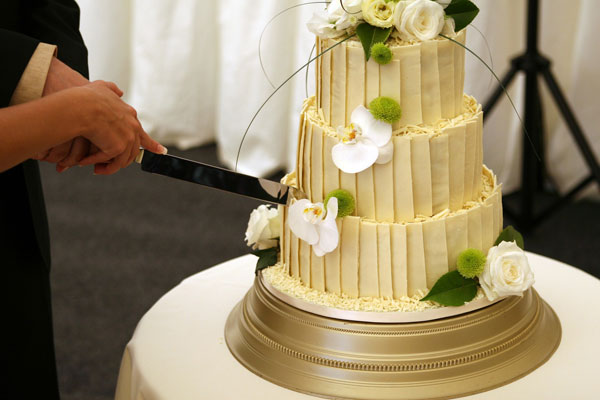 Taglio torta nuziale