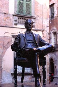 Monumento a Puccini