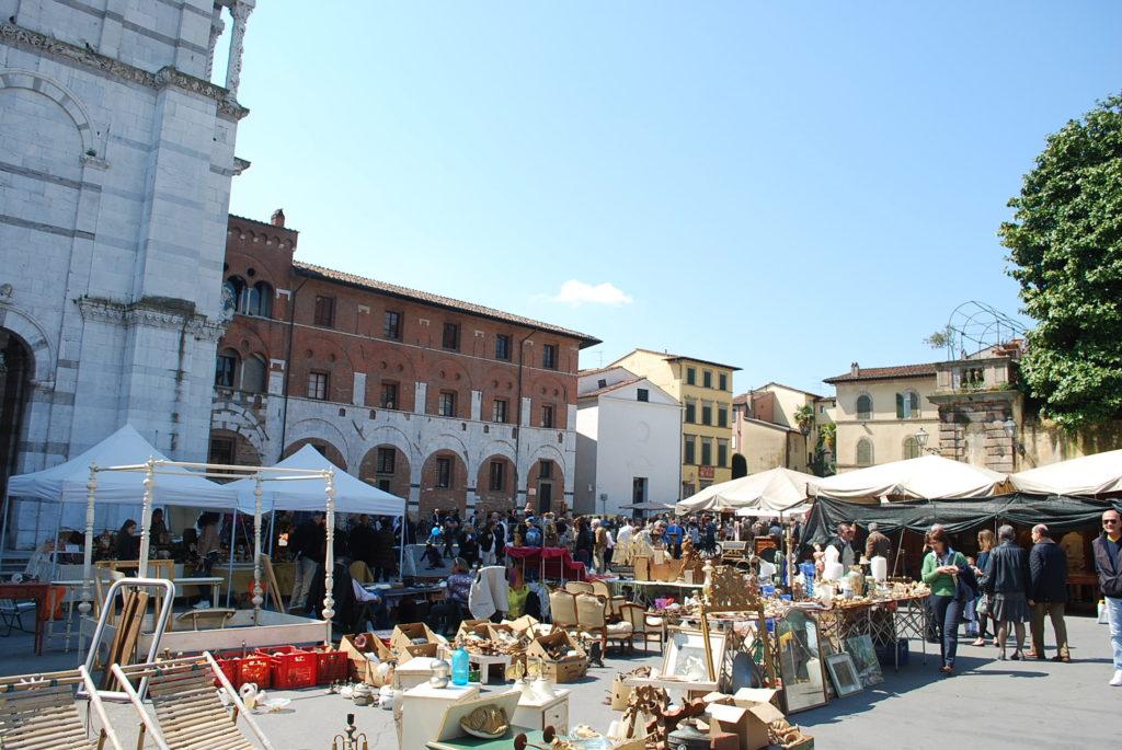 mercato antiquario lucca